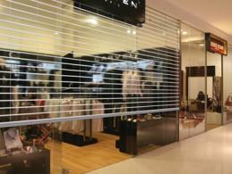 Ưu Điểm Cửa Cuốn Tấm Liền Austdoor | Bảng Giá Cửa Cuốn