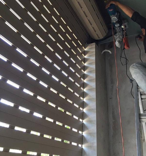 Lưu Ý Về Cách Chọn Motor Cửa Cuốn Austdoor Tốt Nhất